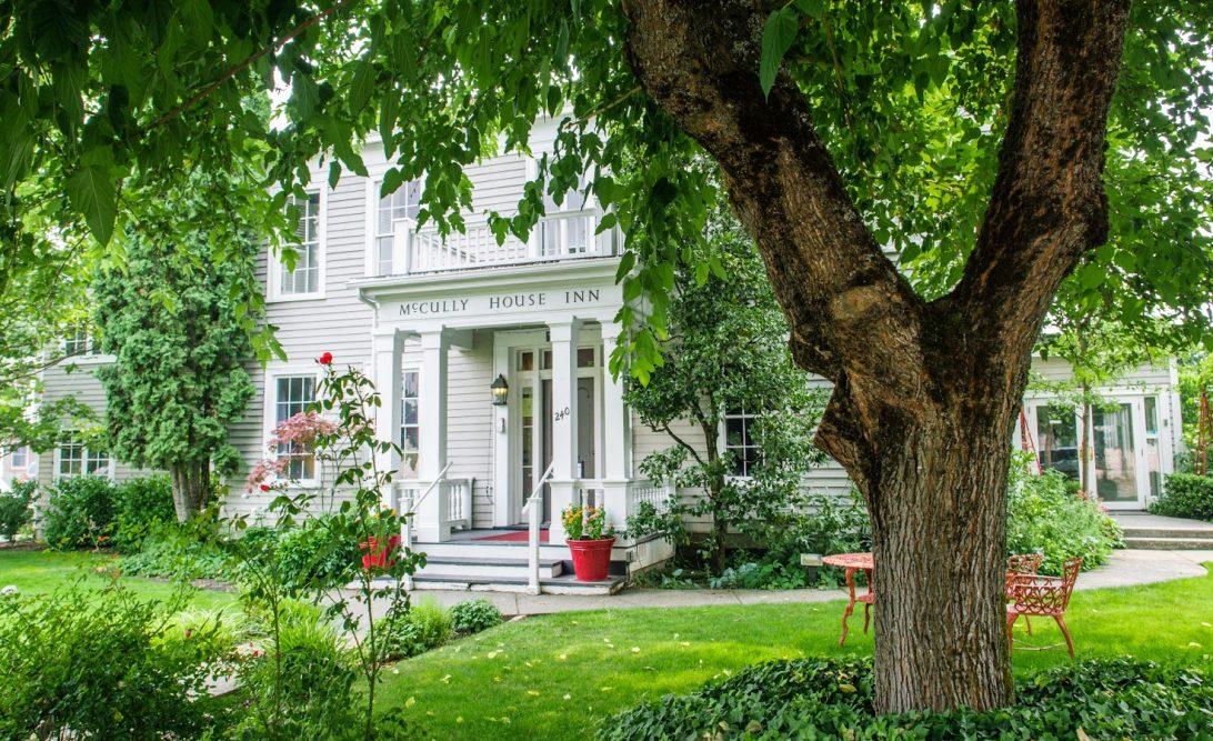 Mccully House Inn Wine Cottages Jacksonville Oregon