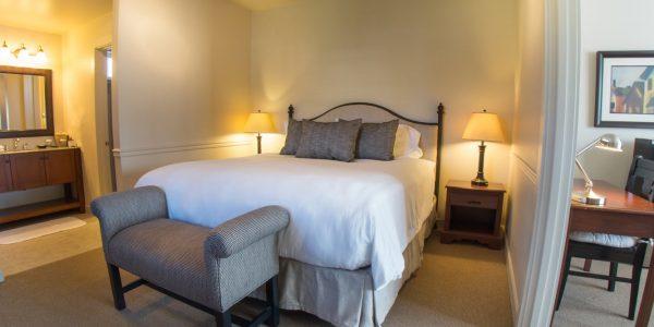 Wine Country Inn Whirlpool Suite